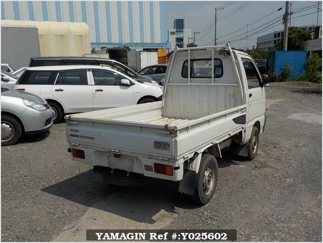 It is a picture of the white daihatsu hijet truck truck in 1993,Sub Photo 2 Stock No.Y025602