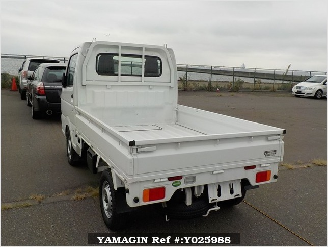 It is a picture of the white suzuki carry truck in 2018,Sub Photo 2 Stock No.Y025988