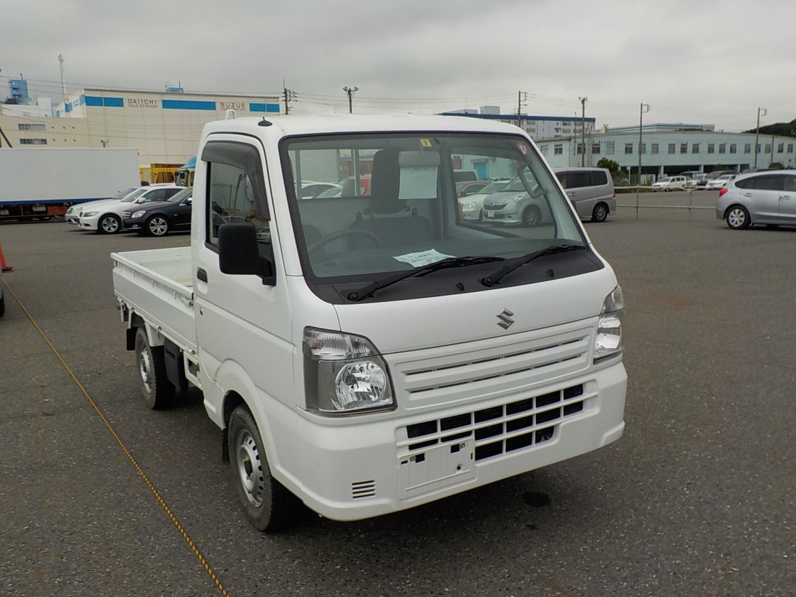 It is a picture of the white suzuki carry truck in 2017,First Photo Stock No.Y026052