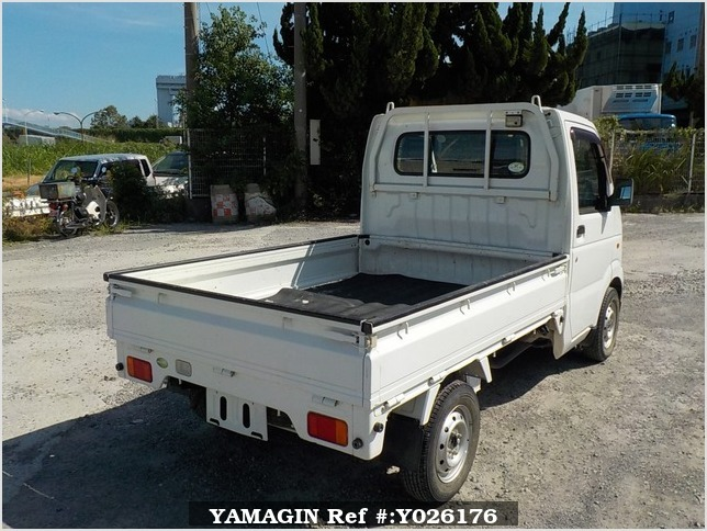 It is a picture of the white suzuki carry truck in 2011,Sub Photo 2 Stock No.Y026176