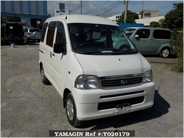 It is a picture of the white daihatsu hijet passenger van in 2003,Sub Photo 0 Stock No.Y026179