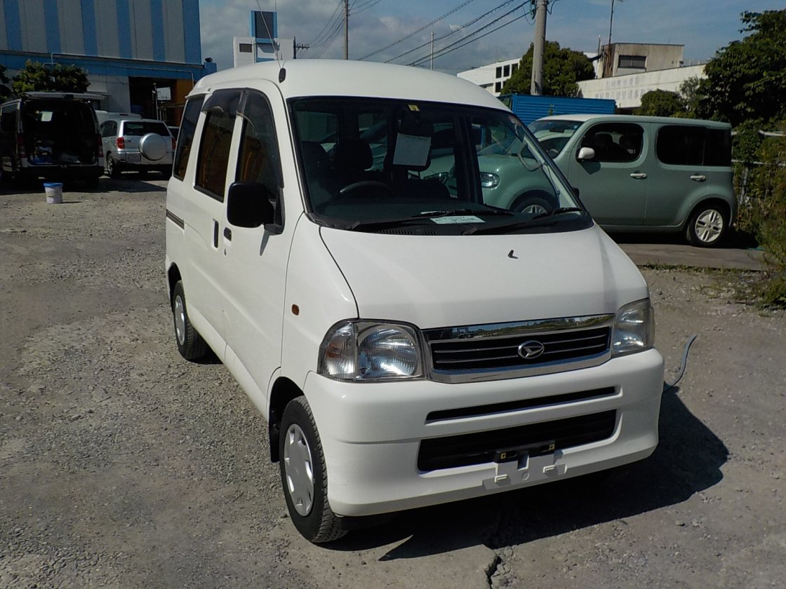It is a picture of the white daihatsu hijet passenger van in 2003,First Photo Stock No.Y026179