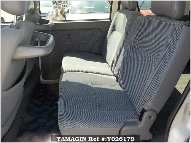 It is a picture of the white daihatsu hijet passenger van in 2003,Sub Photo 8 Stock No.Y026179
