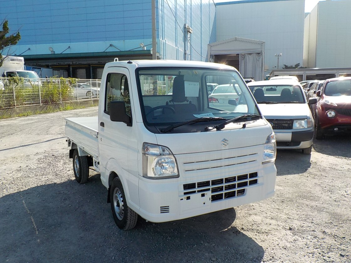 It is a picture of the white suzuki carry truck in 2018,First Photo Stock No.Y026207