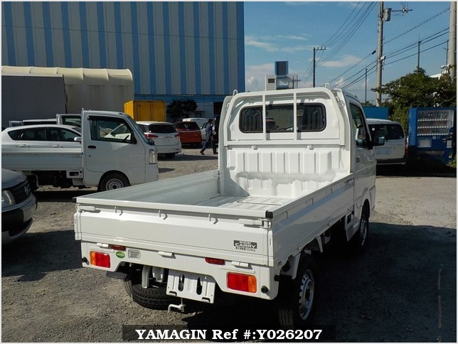 It is a picture of the white suzuki carry truck in 2018,Sub Photo 2 Stock No.Y026207