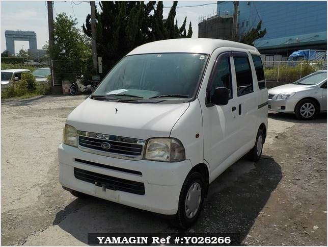 It is a picture of the white daihatsu hijet passenger van in 2003,Sub Photo 1 Stock No.Y026266