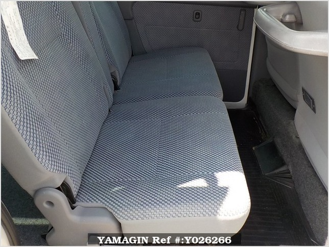 It is a picture of the white daihatsu hijet passenger van in 2003,Sub Photo 8 Stock No.Y026266