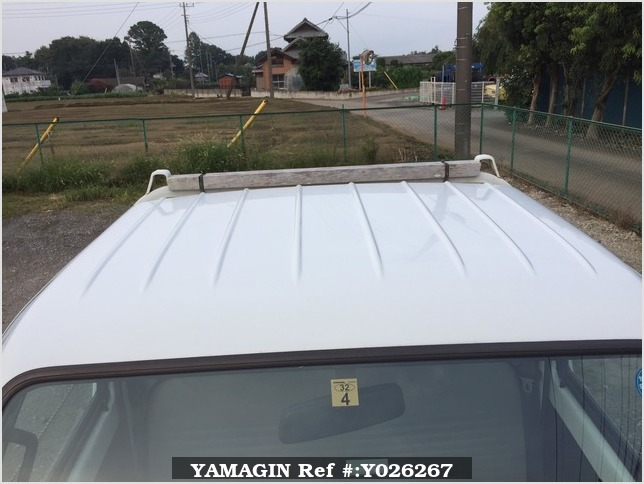 It is a picture of the white suzuki carry truck in 1995,Sub Photo 18 Stock No.Y026267