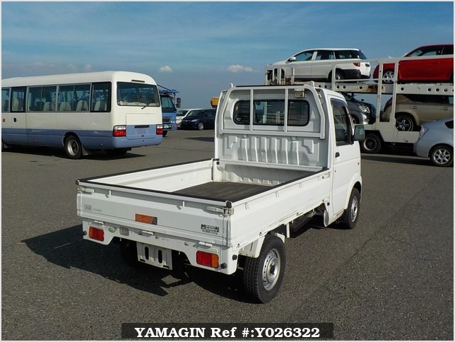It is a picture of the white suzuki carry truck in 2007,Sub Photo 2 Stock No.Y026322