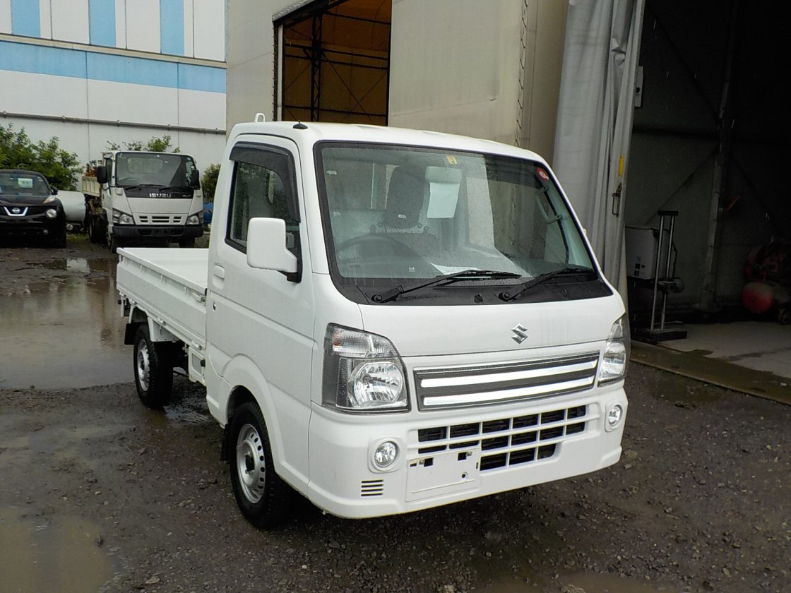 It is a picture of the white suzuki carry truck in 2018,First Photo Stock No.Y026486