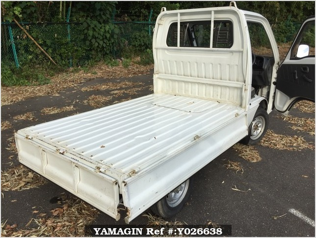 It is a picture of the white suzuki carry truck in 1995,Sub Photo 7 Stock No.Y026638
