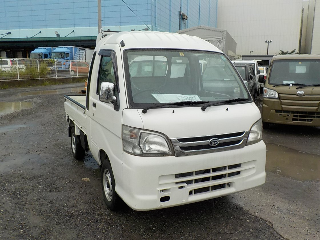 It is a picture of the white daihatsu hijet jumbo in 2008,First Photo Stock No.Y026639