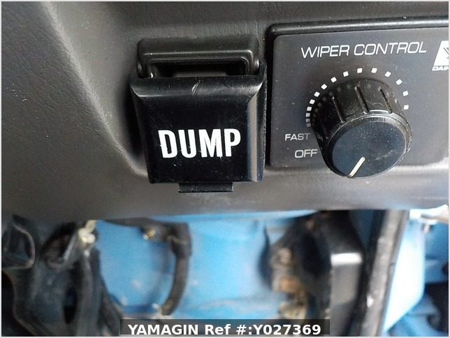 It is a picture of the blue daihatsu hijet dump in 1998,Sub Photo 12 Stock No.Y027369