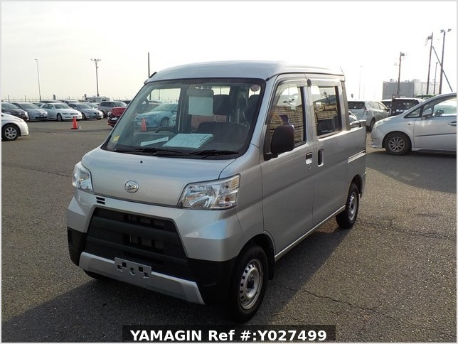 It is a picture of the silver daihatsu hijet deck van in 2018,Sub Photo 1 Stock No.Y027499