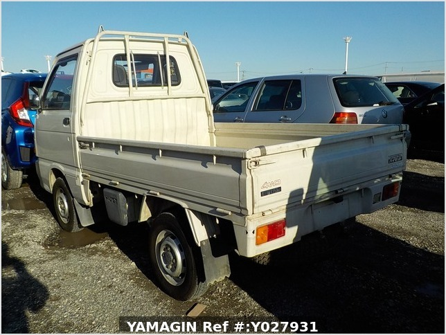 It is a picture of the white daihatsu hijet truck in 1993,Sub Photo 3 Stock No.Y027931
