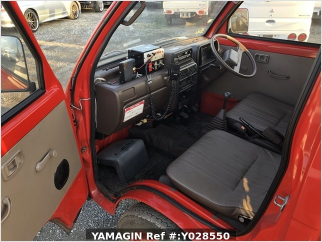 It is a picture of the red daihatsu hijet fire truck  fire truck in 1990,Sub Photo 7 Stock No.Y028550