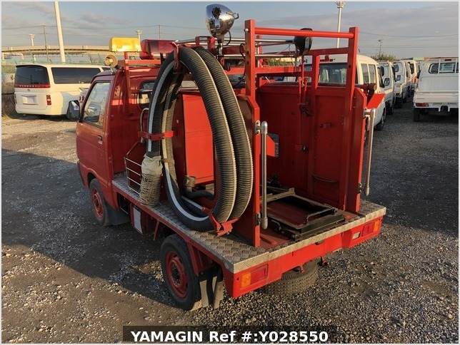 It is a picture of the red daihatsu hijet fire truck  fire truck in 1990,Sub Photo 2 Stock No.Y028550