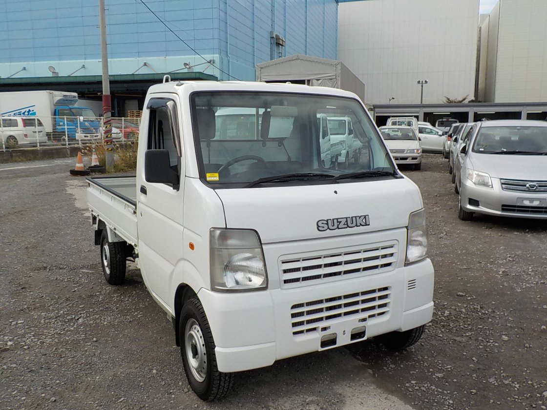 It is a picture of the white suzuki carry truck in 2007,First Photo Stock No.Y028563