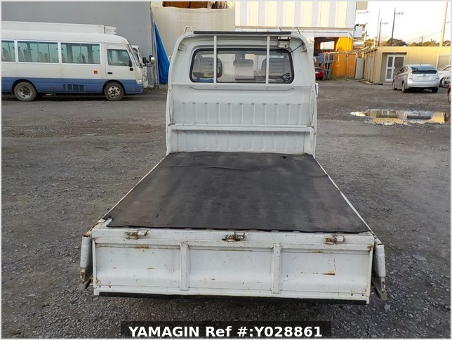 It is a picture of the white suzuki carry truck in 1995,Sub Photo 4 Stock No.Y028861