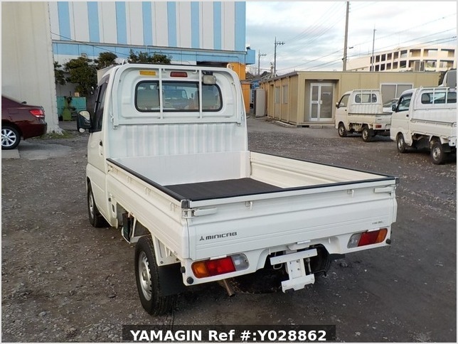 It is a picture of the white mitsubishi minicab truck dump in 2011,Sub Photo 4 Stock No.Y028862