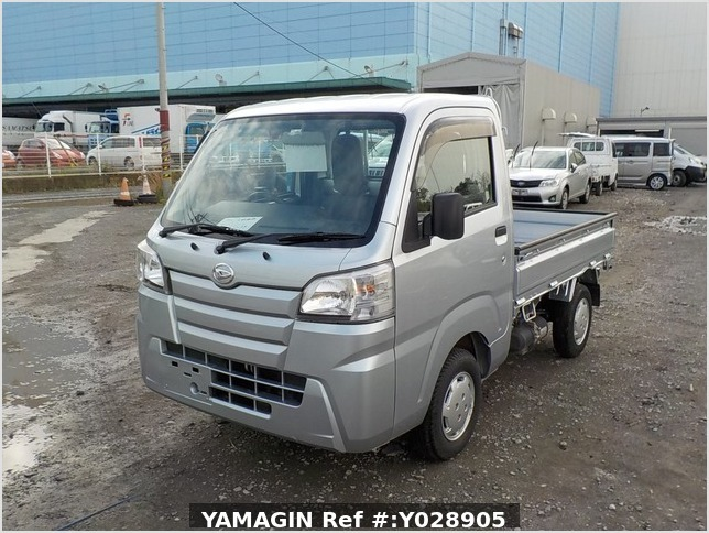 It is a picture of the silver daihatsu hijet dump in 2017,Sub Photo 2 Stock No.Y028905