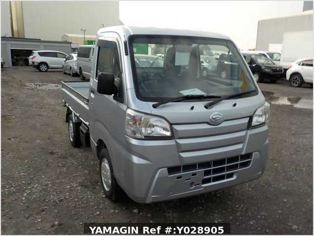 It is a picture of the silver daihatsu hijet dump in 2017,Sub Photo 1 Stock No.Y028905