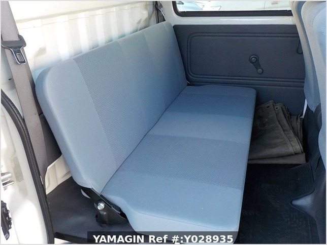 It is a picture of the white daihatsu hijet deck van in 2007,Sub Photo 7 Stock No.Y028935