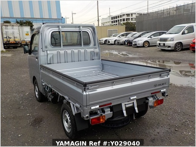 It is a picture of the silver daihatsu hijet dump in 2019,Sub Photo 4 Stock No.Y029040