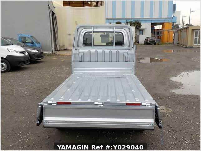 It is a picture of the silver daihatsu hijet dump in 2019,Sub Photo 5 Stock No.Y029040