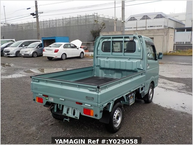 It is a picture of the green suzuki carry truck in 2016,Sub Photo 2 Stock No.Y029058