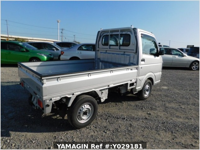 It is a picture of the silver suzuki carry  truck in 2019,Sub Photo 2 Stock No.Y029181