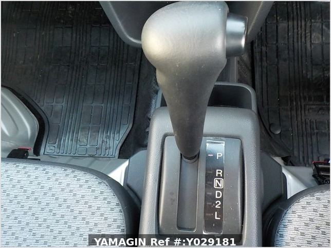 It is a picture of the silver suzuki carry truck truck in 2019,Sub Photo 7 Stock No.Y029181