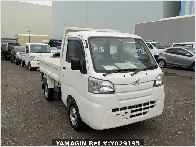 It is a picture of the white daihatsu hijet dump in 2019,Sub Photo 1 Stock No.Y029195