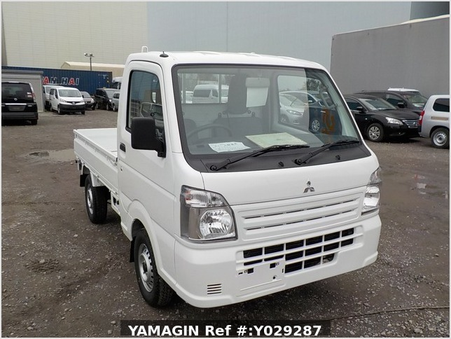 It is a picture of the white mitsubishi minicab truck in 2019,Sub Photo 0 Stock No.Y029287