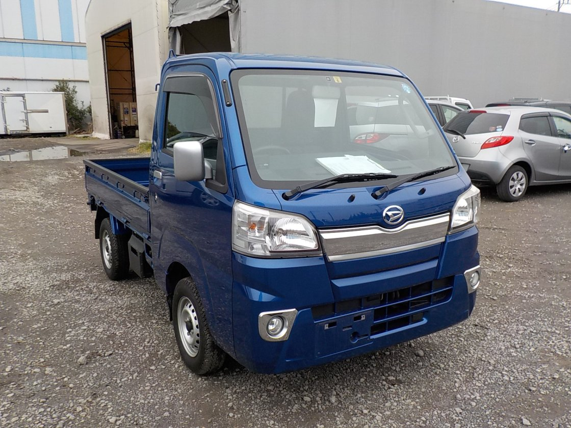 It is a picture of the blue daihatsu hijet truck in 2014,First Photo Stock No.Y029319