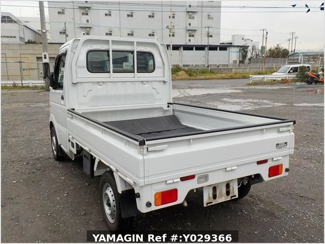 It is a picture of the white suzuki carry truck in 2012,Sub Photo 3 Stock No.Y029366