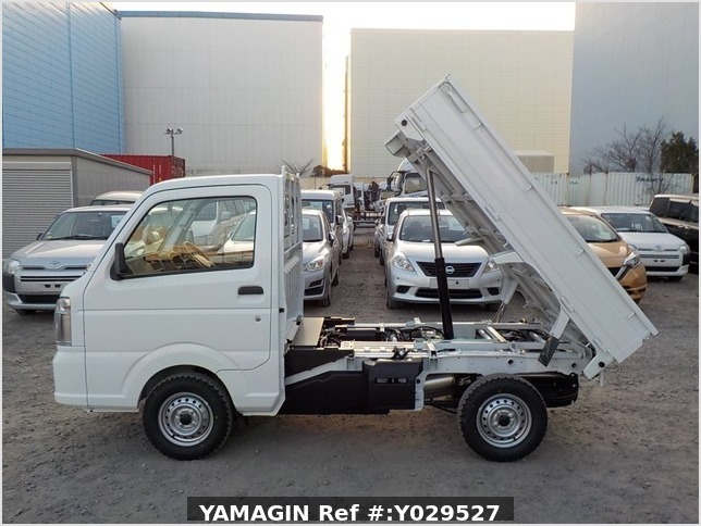 It is a picture of the white suzuki carry dump in 2020,Sub Photo 9 Stock No.Y029527
