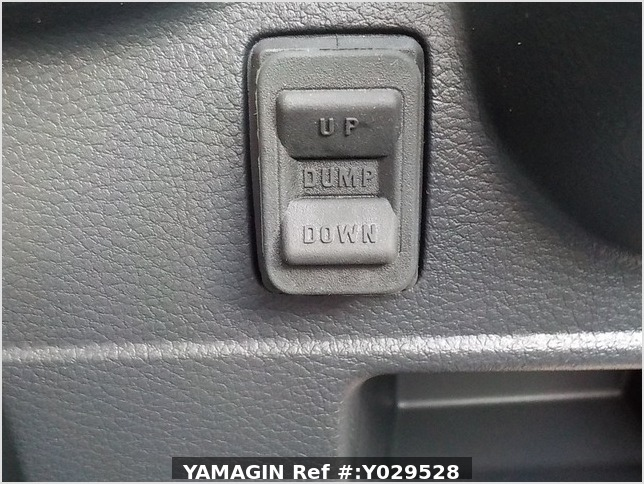 It is a picture of the white suzuki carry dump in 2020,Sub Photo 11 Stock No.Y029528