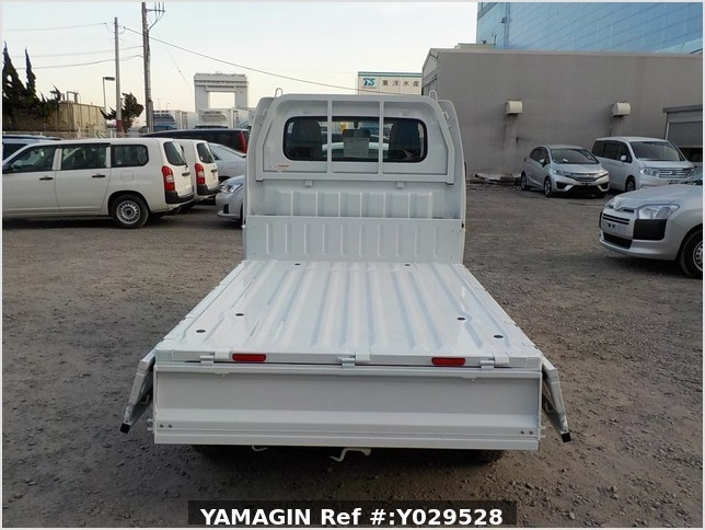It is a picture of the white suzuki carry dump in 2020,Sub Photo 5 Stock No.Y029528