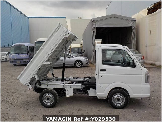 It is a picture of the white suzuki carry dump in 2020,Sub Photo 0 Stock No.Y029530