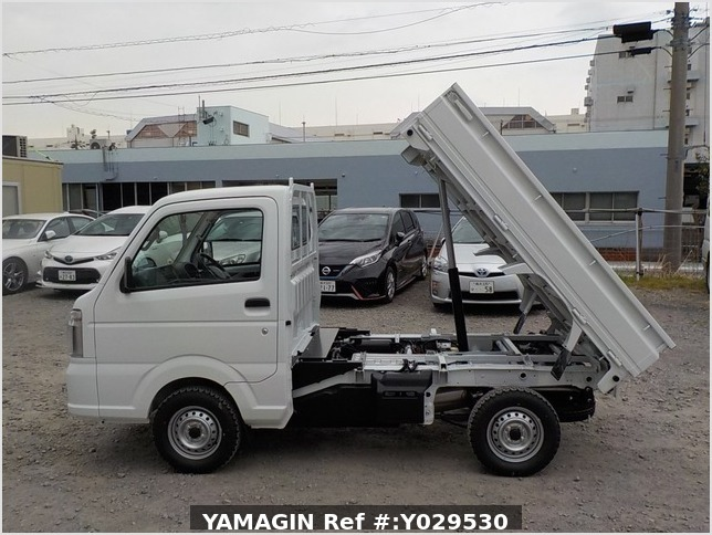 It is a picture of the white suzuki carry dump in 2020,Sub Photo 6 Stock No.Y029530