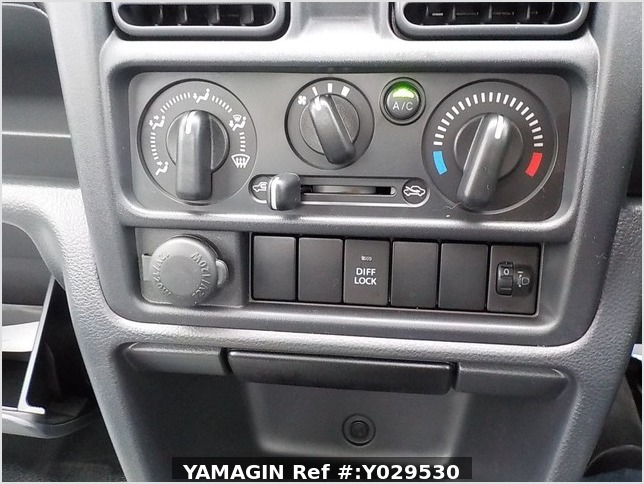 It is a picture of the white suzuki carry dump in 2020,Sub Photo 12 Stock No.Y029530