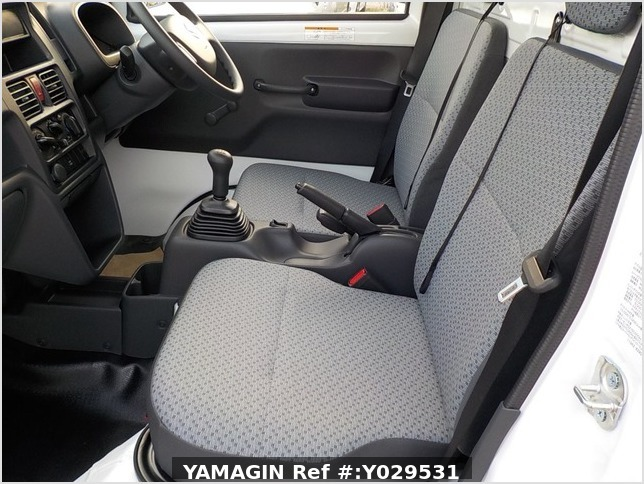It is a picture of the white suzuki carry dump in 2020,Sub Photo 14 Stock No.Y029531