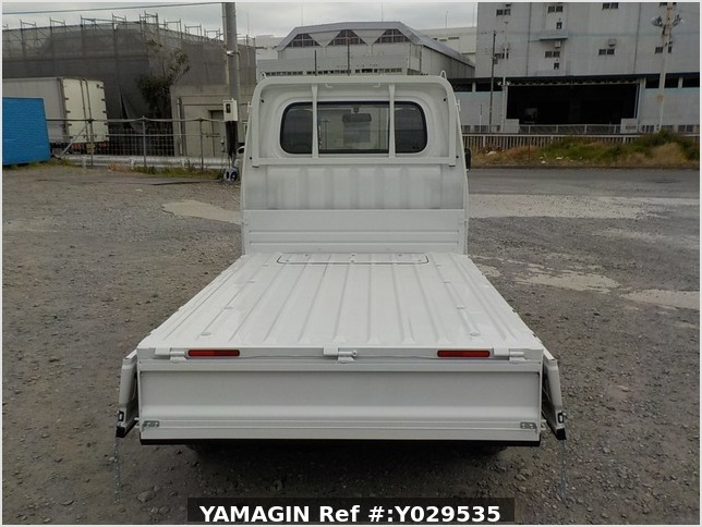It is a picture of the white daihatsu hijet dump in 2020,Sub Photo 5 Stock No.Y029535