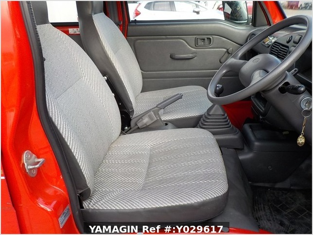 It is a picture of the red daihatsu hijet deck van in 1998,Sub Photo 9 Stock No.Y029617