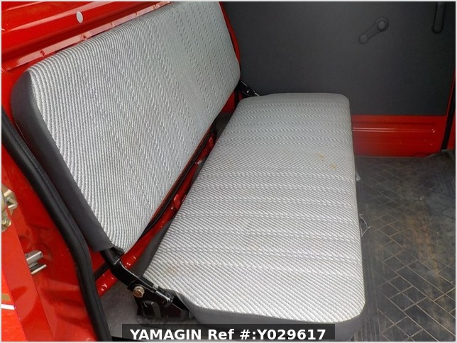It is a picture of the red daihatsu hijet deck van in 1998,Sub Photo 12 Stock No.Y029617