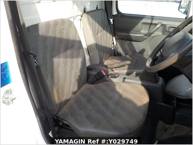 It is a picture of the white suzuki carry truck in 2008,Sub Photo 9 Stock No.Y029749