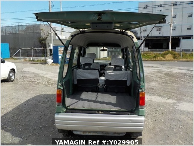 It is a picture of the green 2 subaru sambar dias passenger van in 1995,Sub Photo 8 Stock No.Y029905