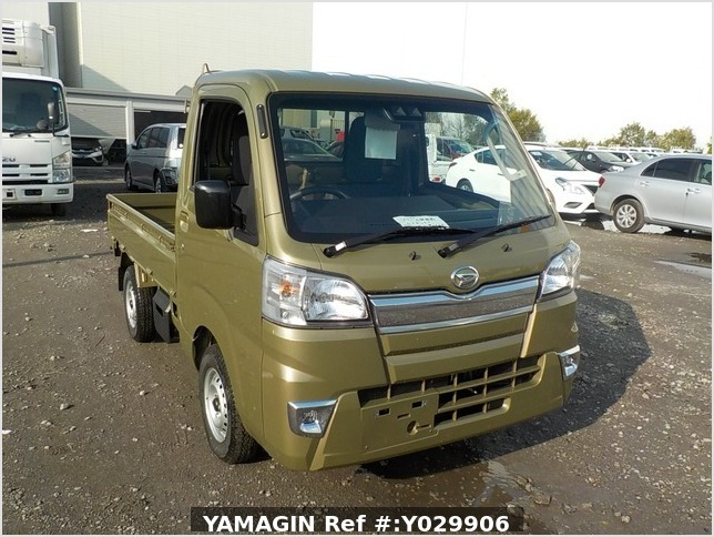 It is a picture of the khaki daihatsu hijet truck in 2019,Sub Photo 0 Stock No.Y029906