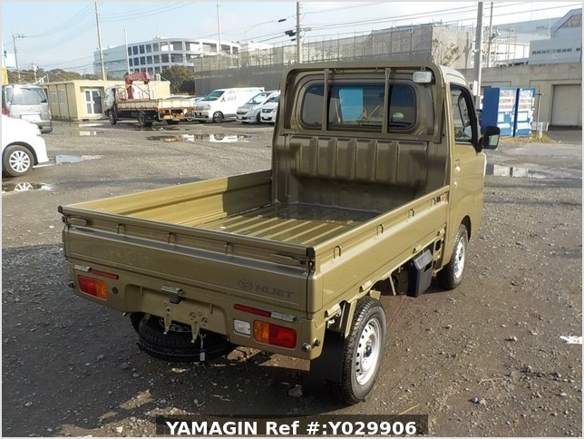 It is a picture of the khaki daihatsu hijet truck in 2019,Sub Photo 2 Stock No.Y029906